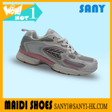Chinese Portable and Breathable Woman's Sneaker/Running Shoes with Fold-resistant MD Outsole