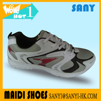 Wholesale 2018 Hottest Unisex Portable White Sport/Running Shoes with Wear-reistant Outsole