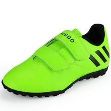 brand outdoor soccer shoes 2018 The new children's indoor football shoes sport shoes for kids