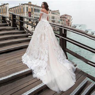 Beach Wedding Dress Off The Shoulder Lace Appliques Princess Wedding Gowns